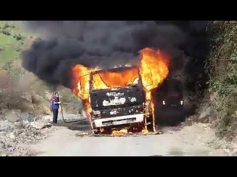 Çayeli Kaptanpaşa yolunda beton mikseri alev alev yandı
