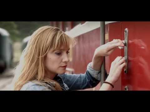 Monogram - videoklip Take it Easy s Hanou Vagnerovou a Alešem Baldou