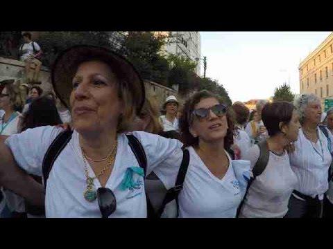 Miles de mujeres exigen en una marcha un acuerdo de paz entre Israel y Palestina