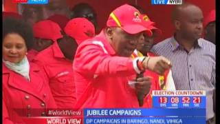Uhuru addresses supporters in Nyeri