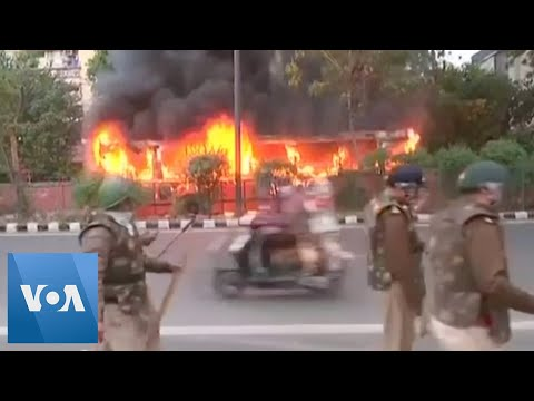 Buses Burn as India Protests Turn Violent