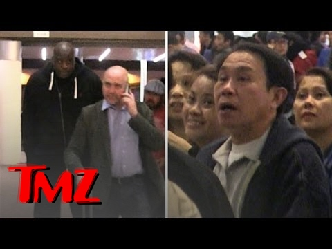 Shaq -- Tallest Man At The International Airport Terminal | TMZ