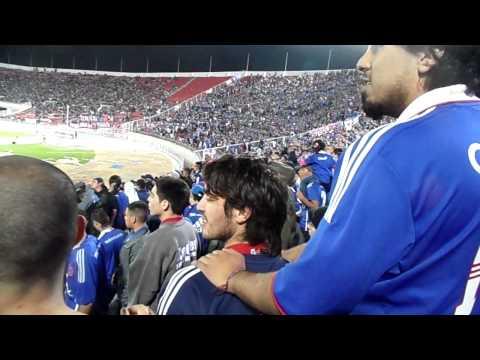 """""""Hay Una Banda Muy Borracha / Los de Abajo U de Chile Vs Nacional / Sudamericana 2011"""" Barra: Los de Abajo • Club: Universidad de Chile - La U"""