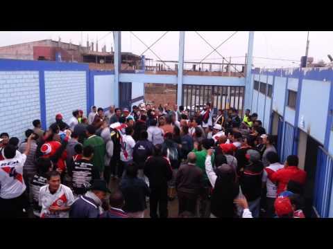 """La Banda del Basurero luego del 5 - 1 a Serrato"" Barra: La Banda del Basurero • Club: Deportivo Municipal"