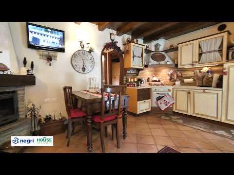 Video - Aprica Chalet Green Village in vendita