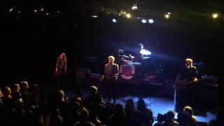 "Juliana Hatfield & Matthew Caws of Nada Surf | ""I Don't Know What To Do With My Hands"""