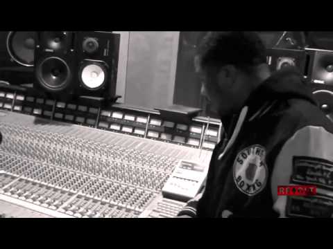 """Just Blaze - Making Of """"Public Service Announcement"""" With Jay Z"""