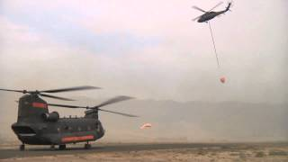 preview picture of video 'Helicopters Fighting Wenatchee Wildfire'