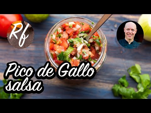 Pico de Gallo - min variant på denna Mexikansk tomatsalsa med Mexikos färger - röd tomat, gul lök och grön färsk koriandersamt grön jalapeno.>