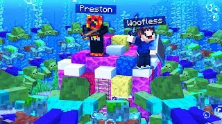 100,000 ZOMBIES vs UNDERWATER MINECRAFT HOUSE!