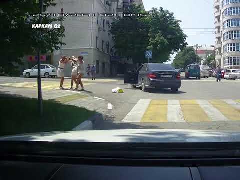 Горячие южные девушки. Драка на дороге в Краснодарском крае