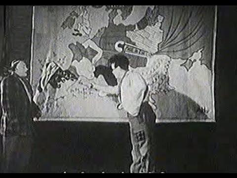 Voskovec & Werich a Osvobozené divadlo - unikátní záběry z roku 1938 o nebezpečí nacismu