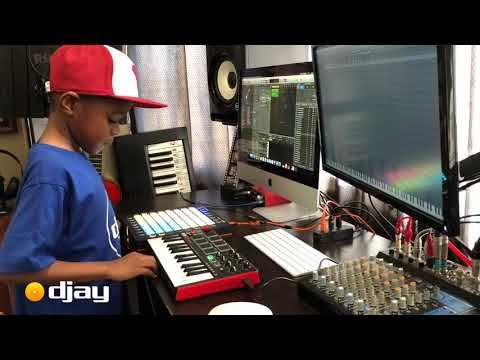 DJ Arch Jnr Creating a House Beat In His Mini Studio Setup (7yrs old)