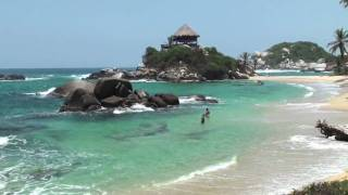 preview picture of video 'Dare With QueLlevar—Discover Colombia: Learn What To Pack When Traveling Around'