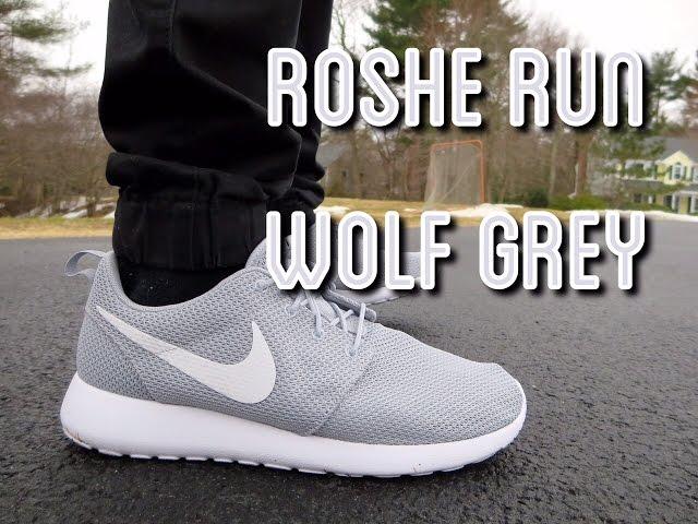 low priced 64cf6 b9a13 Nike Roshe Run