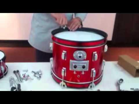 Ensamblaje de baterías musicales para niños
