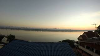 preview picture of video 'Time lapse mekong river Nakhon Phanom'