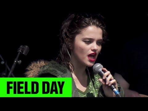 Sky Ferreira - I Blame Myself | Field Day 2014 | FestivoTV