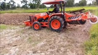 ไถนาเพิ่มพื้นที่ปลูกหญ้าเลี้ยงวัว ด้วยรถแทรกเตอร์รุ่น L4018