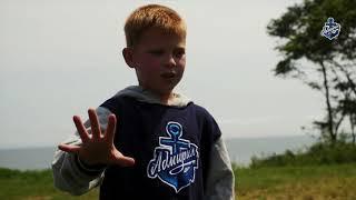 Хоккеисты «Адмирала» навестили детский лагерь Юнга