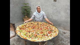 PIZZA | GIANT PIZZA ON BIG TAWA | VEG PIZZA RECIPE PREPARED BY MY GRANDMA | VEG VILLAGE FOOD