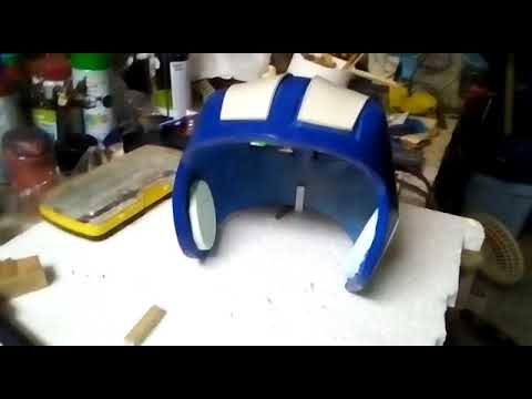 Proyecto: Casco con adaptadores para audífonos y placas para personalización