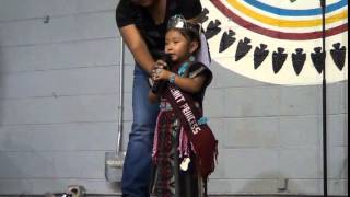 3 Year old Kyla Bitsie introduces herself in English and Navajo