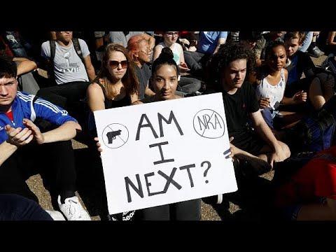 ΗΠΑ: Διαδηλώσεις κατά της οπλοκατοχής