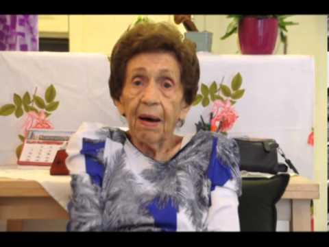 סבתא מסבירה את הסלנג של הצעירים