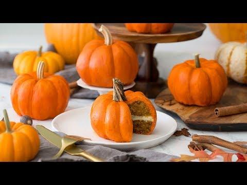 Mini Pumpkin Cakes - The Best Fall Dessert Recipe Ever!
