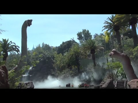 Jurassic World Ride: Boat With Small Girl Capsized In Lake With Dinosaurs By Mosasaur & T-Rex