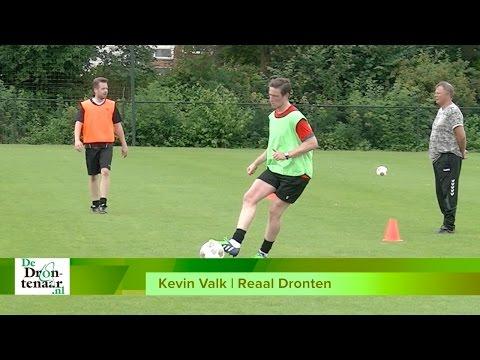 VIDEO | Ex-motorcoureur Kevin Valk voetbalt niet alleen voor de lol bij Reaal Dronten