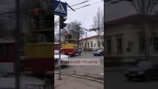 В Николаеве на улице Пушкинской троллейбус заблокировал движение транспорта. Видео