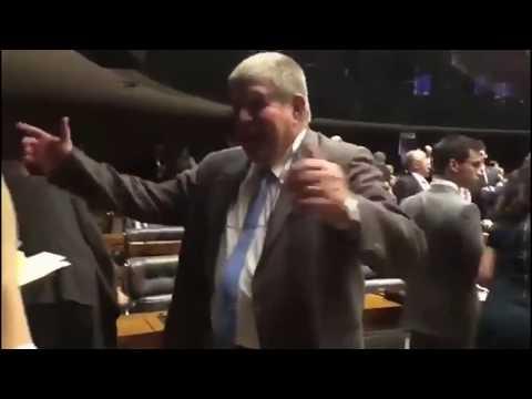 Humor político (A dança de Marun 2) - Chimarrão News 775