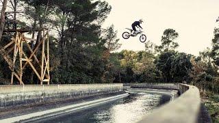 Un backflip en moto électrique en vidéo
