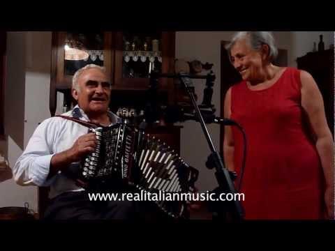 Campania - Vito Saggese & Maria Iuzzolino - Canto Gregoriano con Organetto