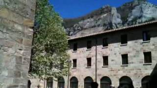 preview picture of video 'Antiguo claustro. Monasterio de Leyre'