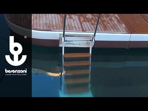 Besenzoni SpA - Scala da bagno automatica  per yacht