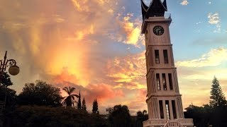 preview picture of video 'Amazing Bukittinggi timelapse compilation!'