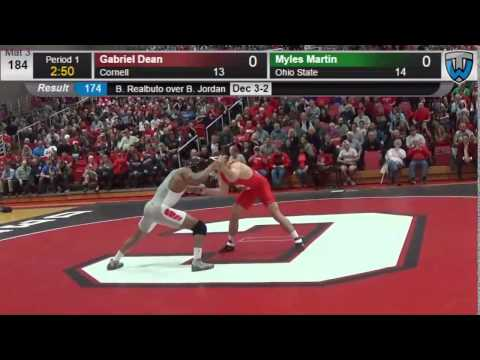 Gabe Dean downs Myles Martin in battle of returning NCAA champs