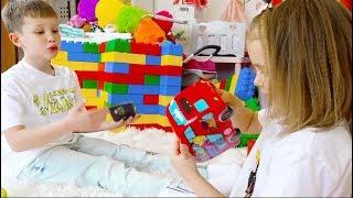 Катя и Макс сами купили детский Батут