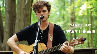 "Vance Joy Performs ""Lay It On Me"" Live At WayHome"