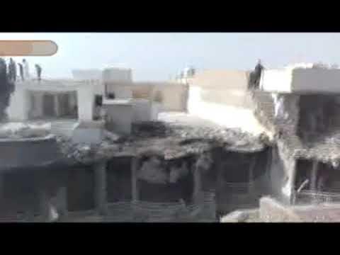 Pakistan Karaçi'de düşen yolcu uçağının harap ettiği yerleşim alanı
