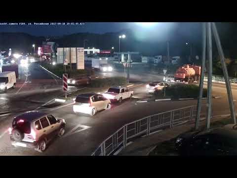 Вчерашняя авария на Батумском шоссе с другой камеры наблюдения