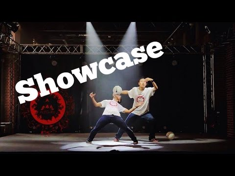 ALEG-Re – Free Style Show 舞 – Red Brick Maizuru 2015 – Freestyle Football
