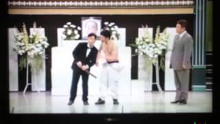 吉本新喜劇すっちーと吉田裕の絡み。