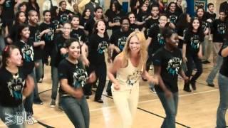Beyonce surprises students - Let
