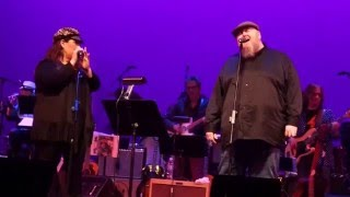 "Thomas Walsh (Pugwash) and Carnie Wilson ""Feel Flows"" Beach Boys~Benefit at The Alex Theatre"