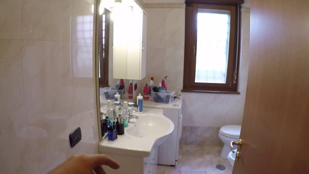 Rooms for rent in bright apartment with dryer in Giardinetti area