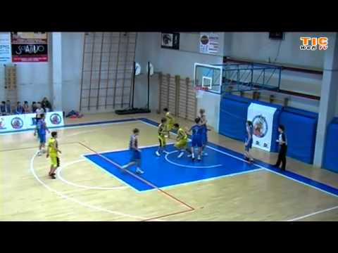 "Preview video Ivrea, dicembre 2013, Torneo Internazionale under 14, ""Canestri Senza Reti"" Cacak vs Auxilium 001"